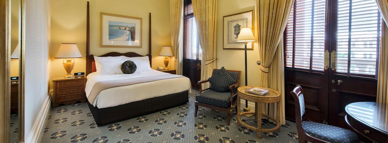 Casino Deluxe King Hotel Room